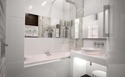 компактная белая ванная